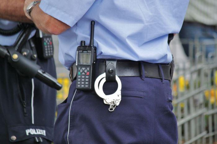 Policja Nowy Dwór Maz.: Przekroczył prędkość, był poszukiwany