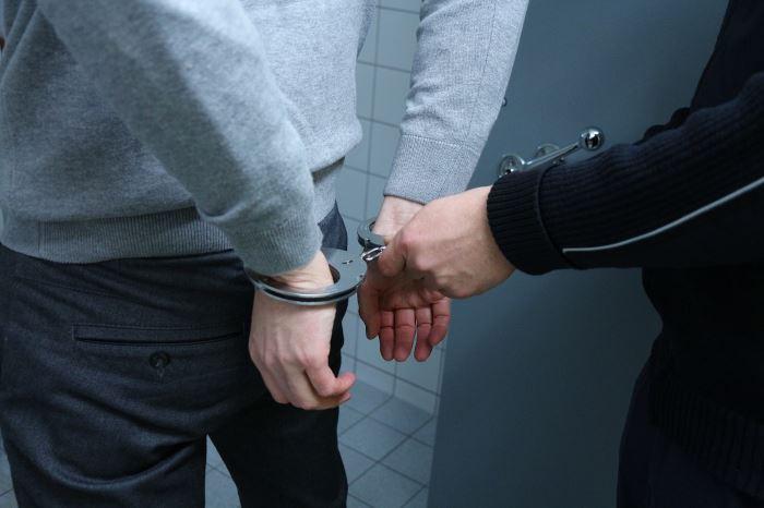 Policja Nowy Dwór Maz.: Areszt za ugodzenie nożem